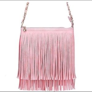 Bags - 💋FLASH SALE💋💕Pink tassel boho crossbody💕